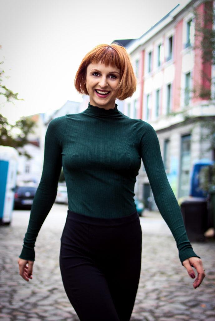 alexa schauspielerin tänzerin rote haare und bob
