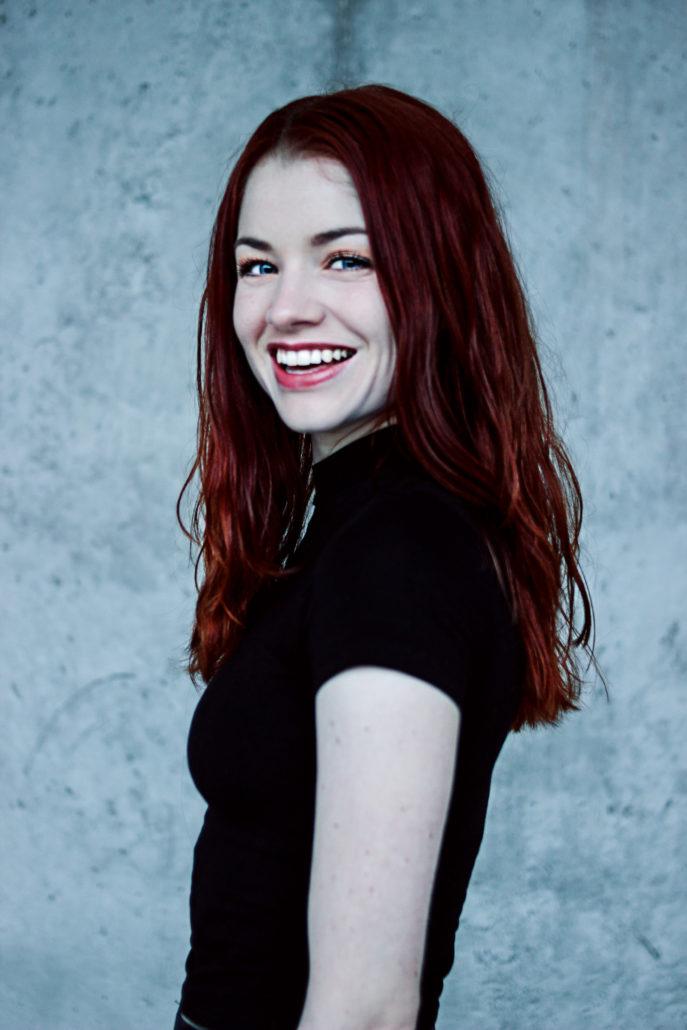 katharina tänzerin mit roten haaren