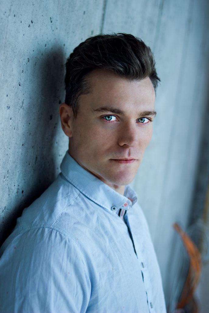 Sebastian New Face mit blauen Augen