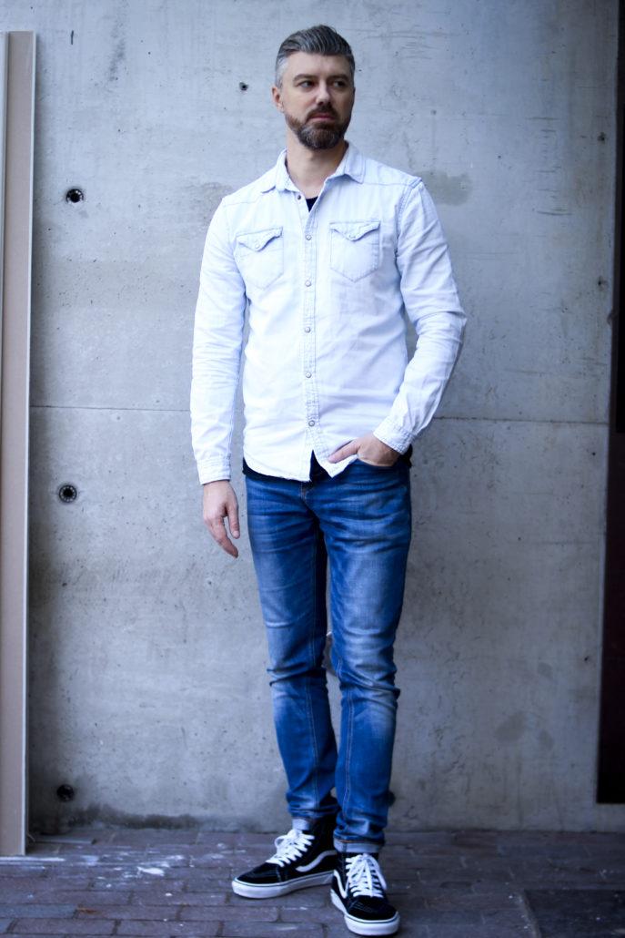 alexander schauspieler mit blauen augen